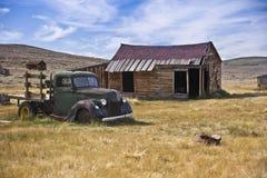 Carro del fantasma en un pueblo fantasma Foto de archivo libre de regalías