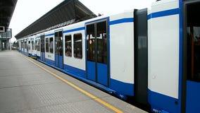 Carro del metro en Amsterdam, Países Bajos, almacen de video