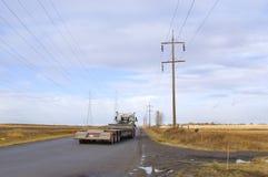 Carro del remolque en la carretera nacional Imagen de archivo libre de regalías