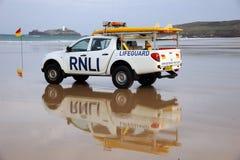 Carro del rescate del salvavidas de la playa Imágenes de archivo libres de regalías