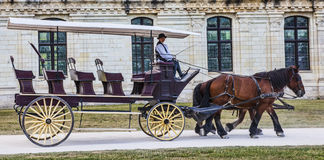 Carro delante del castillo de Chambord Fotografía de archivo libre de regalías
