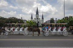 Carro delante del castillo, New Orleans Fotografía de archivo libre de regalías