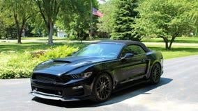 2018 carro desportivo super de Ford Mustang Stage 3 do vermelho com poder de cavalo 900, carro luxuoso do músculo foto de stock