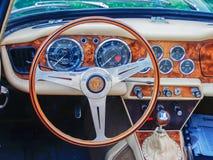 Carro desportivo TR-4 do vintage fotografia de stock royalty free