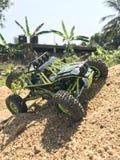 Carro do brinquedo de RC na areia fotos de stock