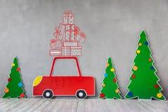 Carro do cartão e árvore de Natal Imagens de Stock Royalty Free