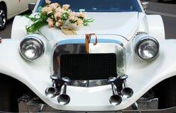 Carro do casamento da capa Imagens de Stock Royalty Free