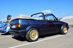 Carro do clássico do cabrio 1800 do golfe de Volkswagen Imagem de Stock