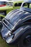 Carro do hot rod estacionado em seguido Fotos de Stock Royalty Free
