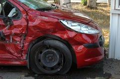 Carro do impacto no local de acidente fotos de stock