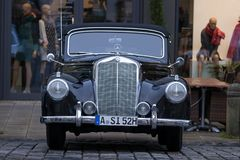Carro 1952 do oldtimer de Mercedes-Benz 220 B Cabrio Imagem de Stock Royalty Free