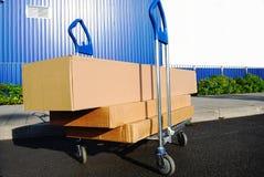 Carro do pacote imagens de stock