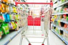 Carro do supermercado fotografia de stock