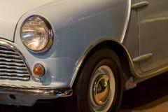 Carro do vintage Carro britânico dos anos 60 clássicos no close-up imagens de stock