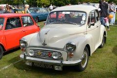 Carro do vintage do clássico de Morris Minor 1000 Fotografia de Stock
