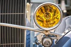 Carro do vintage, luz dianteira fotos de stock royalty free
