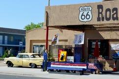 Carro do vintage, Route 66, Seligman, o Arizona, EUA Fotografia de Stock