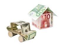 Carro e casa feitos de cédulas do dólar Fotos de Stock Royalty Free