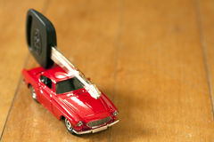 Carro e chave do carro Imagem de Stock