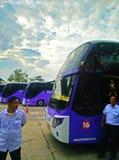 Carro e condutores de ônibus em Tailândia Imagem de Stock