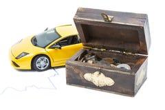 Carro e dinheiro Fotos de Stock Royalty Free