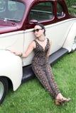 Carro e modelo do vintage fotografia de stock royalty free