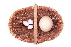Carro e ovos Fotos de Stock Royalty Free