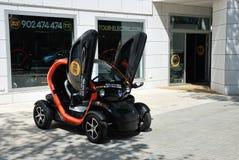 Carro elétrico a alugar em Barcelona Fotografia de Stock Royalty Free