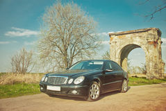 Carro em um fundo bonito Imagem de Stock Royalty Free
