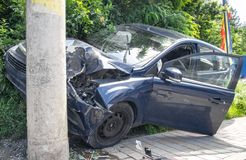 Carro esmagado duro Fotos de Stock