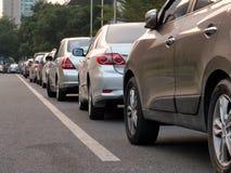 Carro estacionado na borda da estrada Foto de Stock Royalty Free