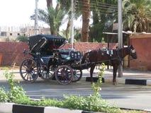 Carro estilizado del vintage dibujado por el caballo Imágenes de archivo libres de regalías