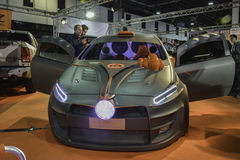 Carro feito sob encomenda ajustado Imagens de Stock Royalty Free