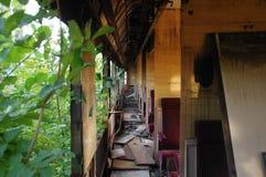 Carro ferroviario destruido foto de archivo libre de regalías