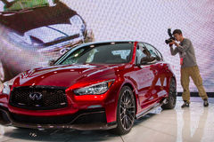 Carro infinito do conceito do vermelho de Q50 Eau Imagem de Stock Royalty Free