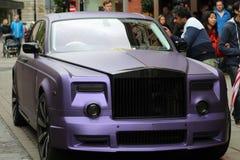 Carro luxuoso com um bilhete de estacionamento Fotografia de Stock