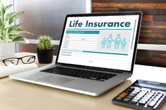 Carro médico da casa da casa da proteção sanitária do conceito do seguro de vida Fotos de Stock