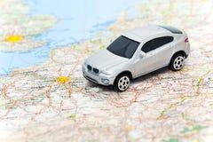 Carro modelo no mapa de France Foto de Stock Royalty Free