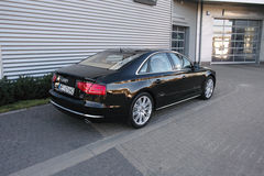 Carro moderno: Audi A8 Foto de Stock Royalty Free