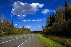 Carro na borda da estrada Imagens de Stock