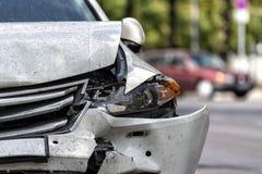 Carro na borda da estrada após um acidente imagem de stock royalty free