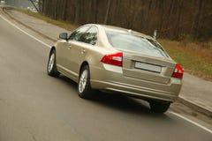 Carro na estrada Fotos de Stock Royalty Free