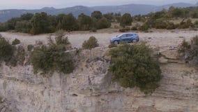 Carro na estrada da montanha filme