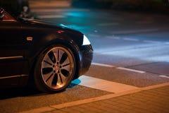 Carro na noite Fotografia de Stock Royalty Free