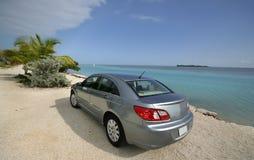 Carro na praia Fotos de Stock