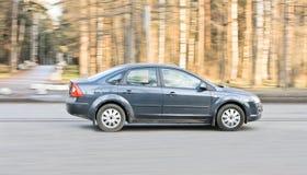Carro na rua fotografia de stock