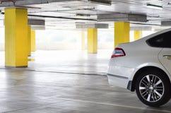 Carro no estacionamento foto de stock royalty free