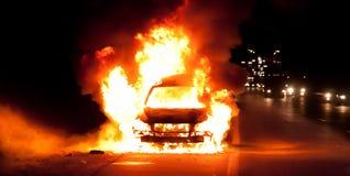 Carro no fogo fotografia de stock