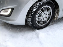 Carro no inverno fotos de stock royalty free