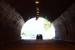 Carro no túnel escuro Fotos de Stock Royalty Free